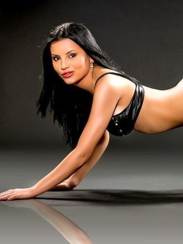 Teen Escort Armina in London, United Kingdom - Photo: 5