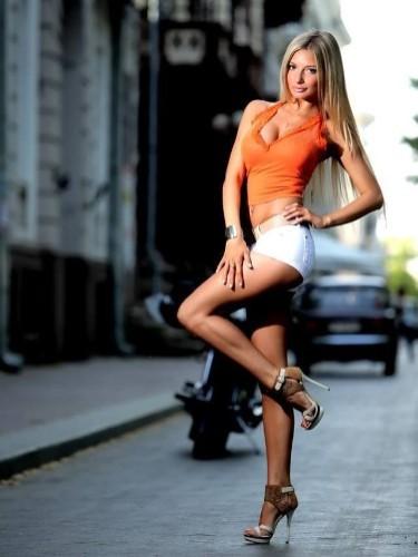 Teen Escort Miss Elle in Warsaw, Poland - Photo: 5
