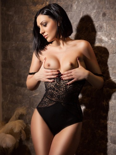 Teen Escort Helena in London, United Kingdom - Photo: 7