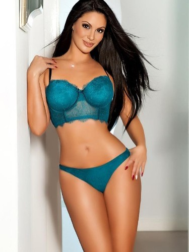 Teen Escort Anais in London, United Kingdom - Photo: 4