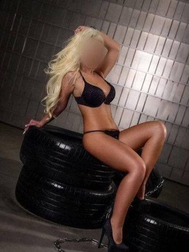 Teen Escort Escortdelux Danaya in Sofia, Bulgaria - Photo: 3