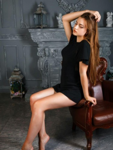Teen Escort Miss Anna in Istanbul, Turkey - Photo: 7