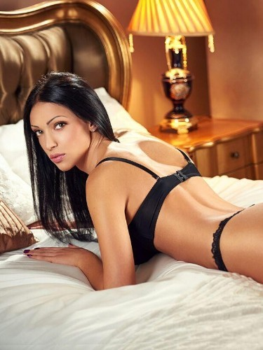 Teen Escort Adelia in London, United Kingdom - Photo: 6