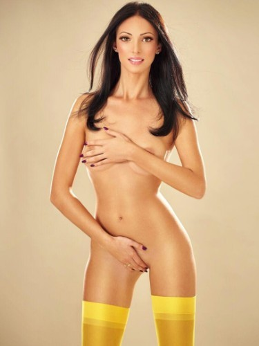 Teen Escort Adelia in London, United Kingdom - Photo: 4