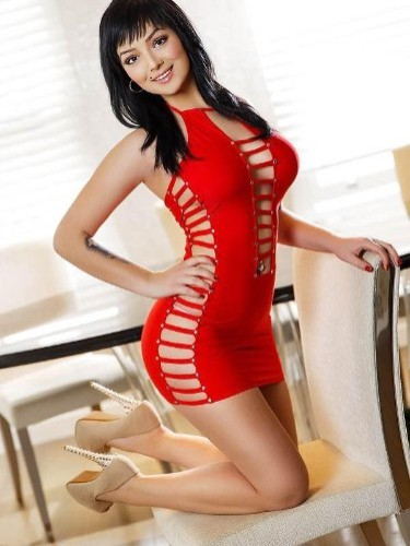 Teen Escort Angie in London, United Kingdom - Photo: 1