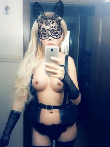 Fetish Teen Escort Miss in Almaty, Kazakhstan - Photo: 6