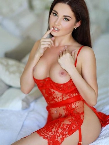 Teen Escort Amy in Athens, Greece - Photo: 1