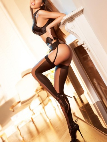 Teen Escort Ava in London, United Kingdom - Photo: 4