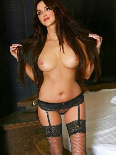 Teen Escort Sonia in Cosenza, Italy - Photo: 6
