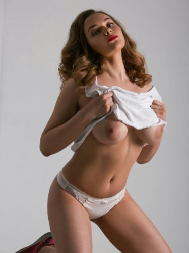 Teen Escort Erika in Amsterdam, Netherlands - Photo: 2