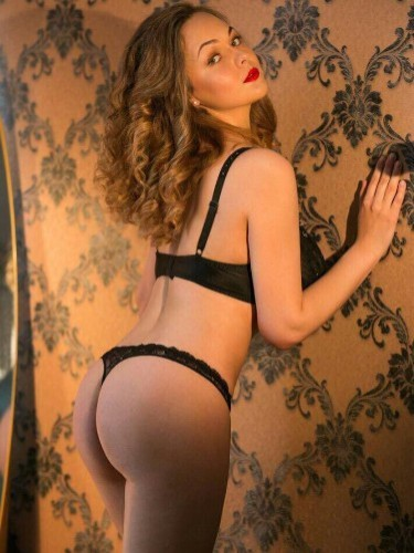 Teen Escort Erika in Amsterdam, Netherlands - Photo: 6
