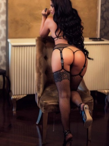 Teen Escort Arina in Istanbul, Turkey - Photo: 1