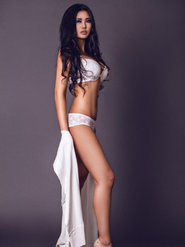 Teen Escort Esme in Istanbul, Turkey - Photo: 6