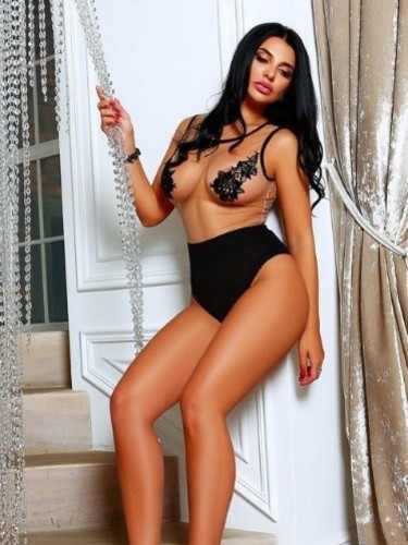 Teen Escort Beatricce in Moscow, Russia - Photo: 4
