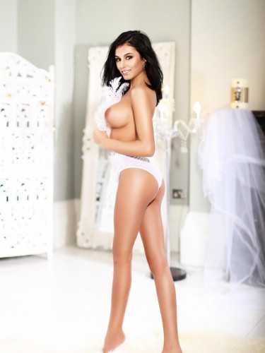 Teen Escort Raisa in London, United Kingdom - Photo: 5