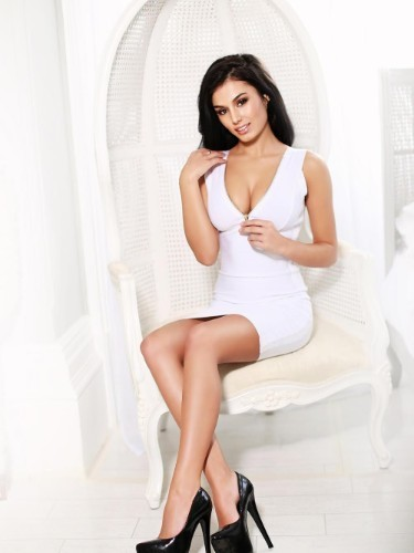 Teen Escort Raisa in London, United Kingdom - Photo: 4