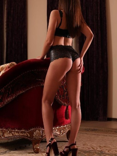 Teen Escort Alina in St Petersburg, Russia - Photo: 1