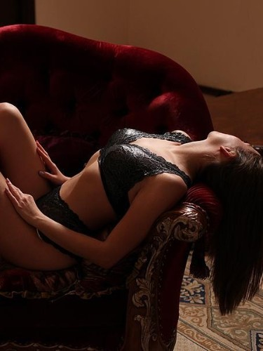 Teen Escort Alina in St Petersburg, Russia - Photo: 3