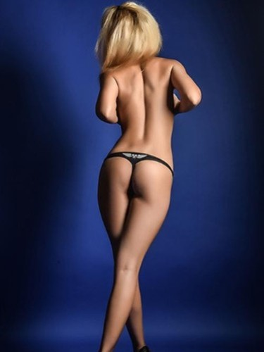 Teen Escort Aylin in Berlin, Germany - Photo: 7