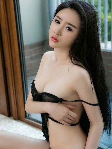 Teen Escort Adaliya in Guangzhou, China - Photo: 5