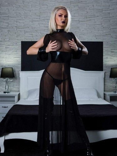 Fetish Mistress Escort Mistress Kiana in Antwerp, Belgium - Photo: 5
