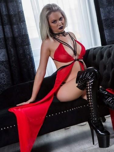 Fetish Mistress Escort Mistress Kiana in Antwerp, Belgium - Photo: 3