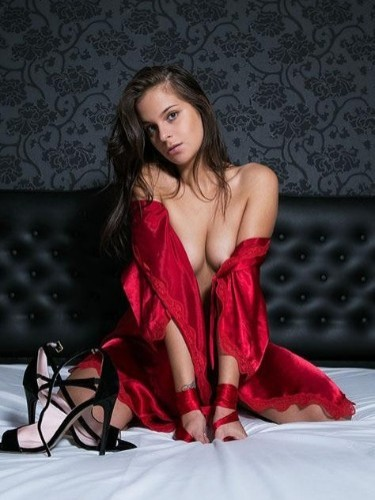 Teen Escort Alisa in Athens, Greece - Photo: 5