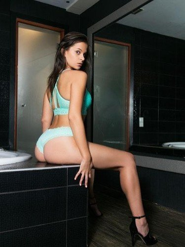 Teen Escort Alisa in Athens, Greece - Photo: 4