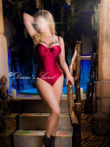 Teen Escort Amanda in The Hague, Netherlands - Photo: 4