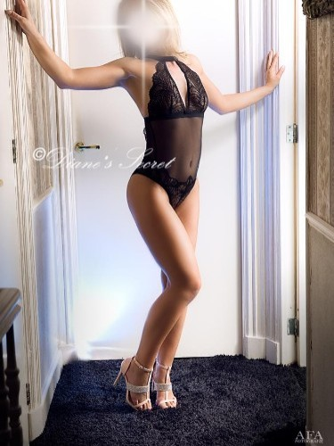 Teen Escort Elisa in The Hague, Netherlands - Photo: 6