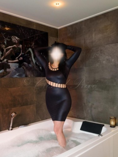 Escort Amy in Rotterdam, Netherlands - Photo: 4