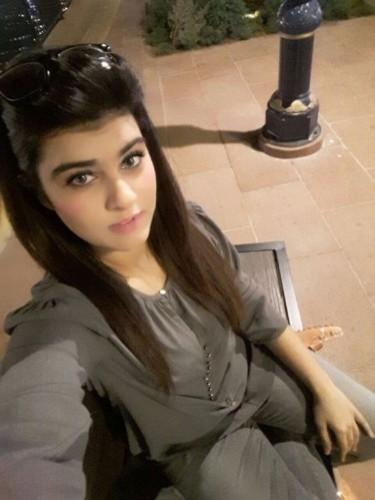 Teen Escort Taniya in Dubai, United Arab Emirates - Photo: 4
