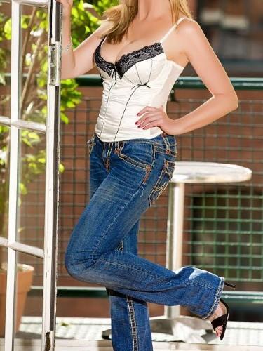 Teen Escort Janet in Geneva, Switzerland - Photo: 1