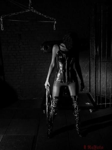 Fetish Escort Mistress Kali in Bergen op Zoom, Netherlands - Photo: 4