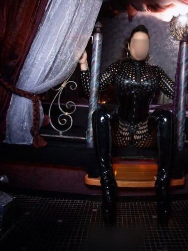 Fetish Mistress Escort Lucy in Almere, Netherlands - Photo: 4