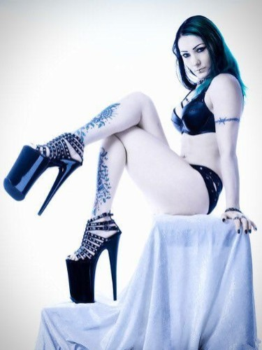 Fetish Mistress Escort Mrs Poison in Almere, Netherlands - Photo: 4