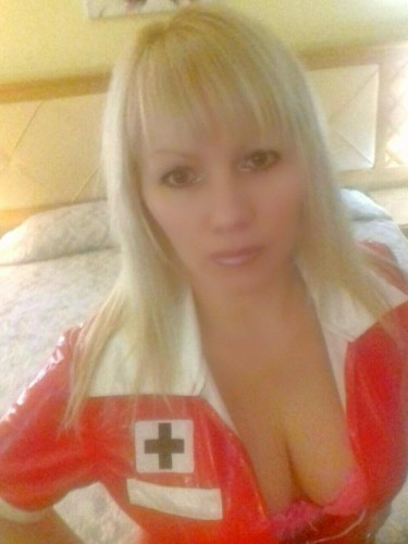 Escort Angela in Limassol, Cyprus - Photo: 4