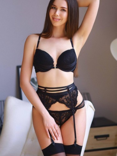 Teen Escort Molly in Amsterdam, Netherlands - Photo: 6