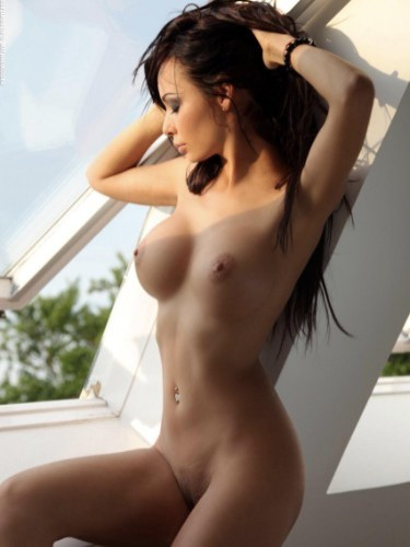 Teen Escort Anna in Athens, Greece - Photo: 2