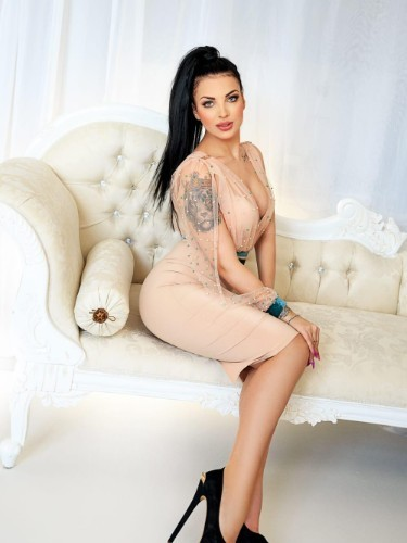 Teen Escort Pelania in London, United Kingdom - Photo: 4