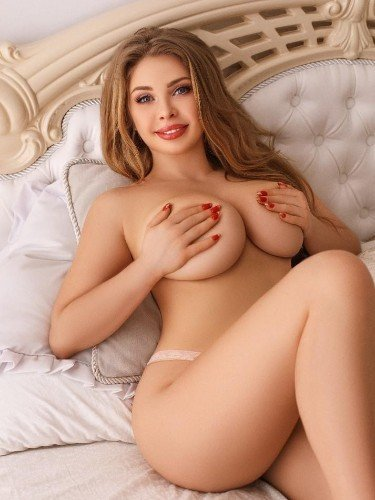 Teen Escort Amely in Istanbul, Turkey - Photo: 1