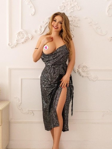 Teen Escort Amely in Istanbul, Turkey - Photo: 3