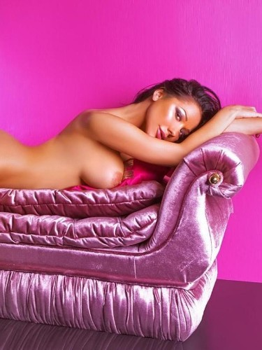 Teen Escort Aniela in Amsterdam, Netherlands - Photo: 3