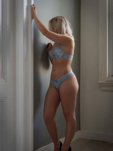 Elite Escort Agency MrsJones in Netherlands - Photo: 3 - Julia Jones