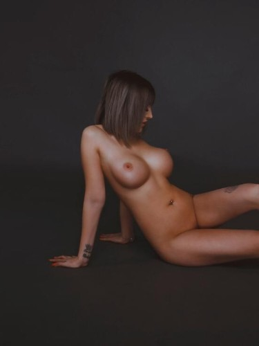 Teen Escort Stefania in Athens, Greece - Photo: 4
