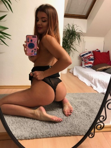 Teen Escort Amelia in Stockholm, Sweden - Photo: 4