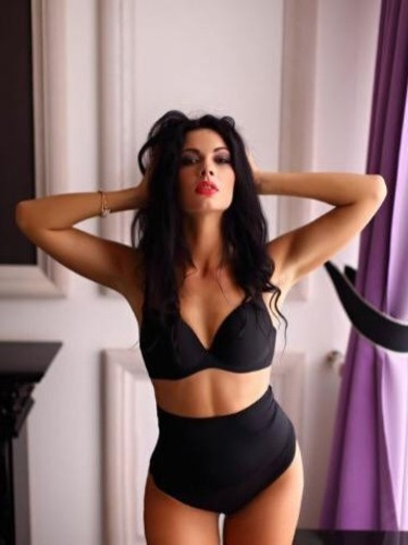 Teen Escort Beatrice in Leicester, United Kingdom - Photo: 4