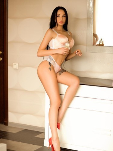 Teen Escort Alina in Istanbul, Turkey - Photo: 3