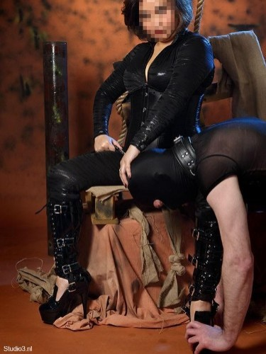 Fetish Mistress Escort Meesteres Samantha in Valkenswaard, Netherlands - Photo: 1