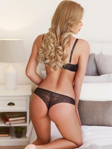 Teen Escort Anastasia in London, United Kingdom - Photo: 5